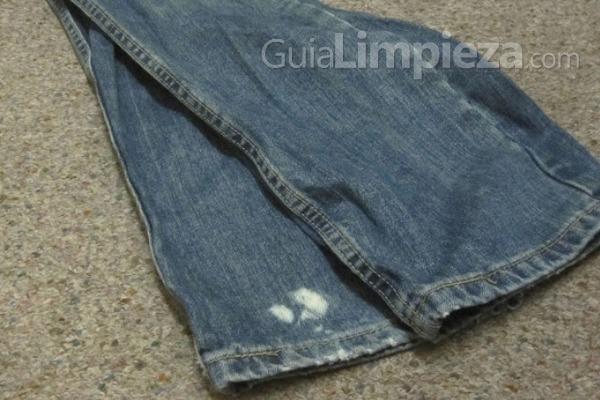Remedios eficaces para las manchas de lej a en la ropa - Como quitar manchas de lejia ...