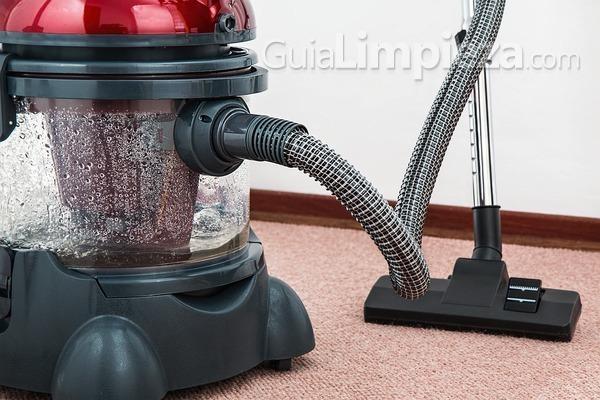 Historia de los aparatos de limpieza: el aspirador