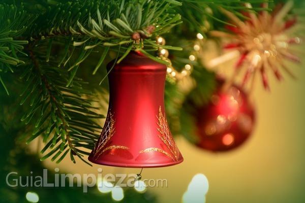 Cómo limpiar los adornos de Navidad