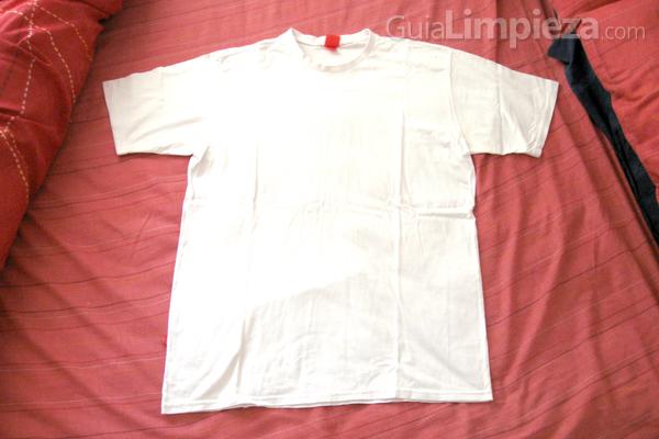 C mo quitar las manchas de sudor de la ropa - Como quitar manchas de lejia ...